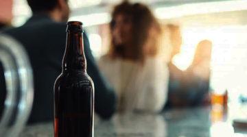 Mujeres Alcohol Cerveza Metabolismo